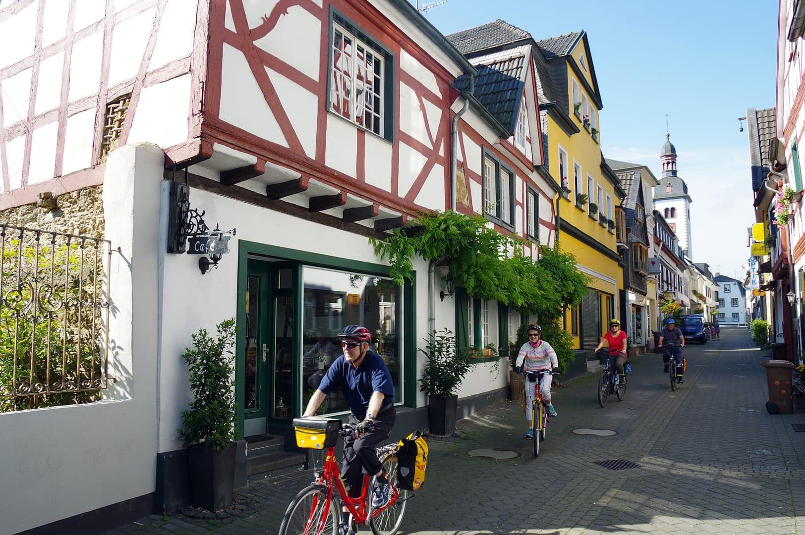 Rad und Schiff Rhein Rheinradweg