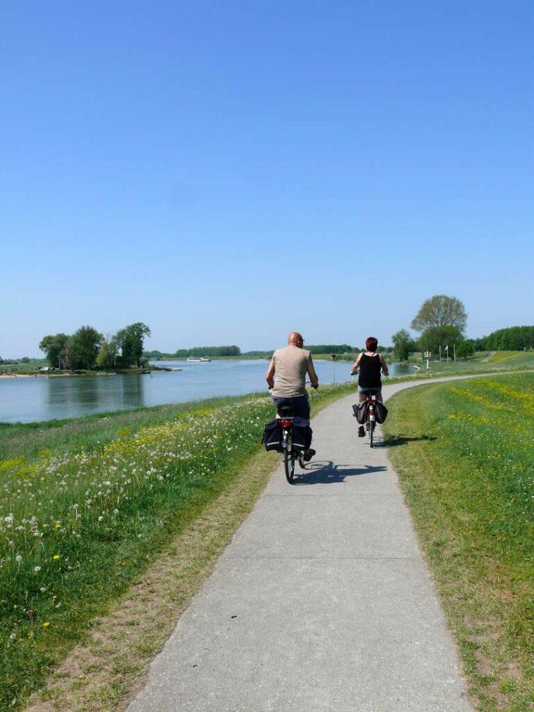 Rad und Schiff Niederlande
