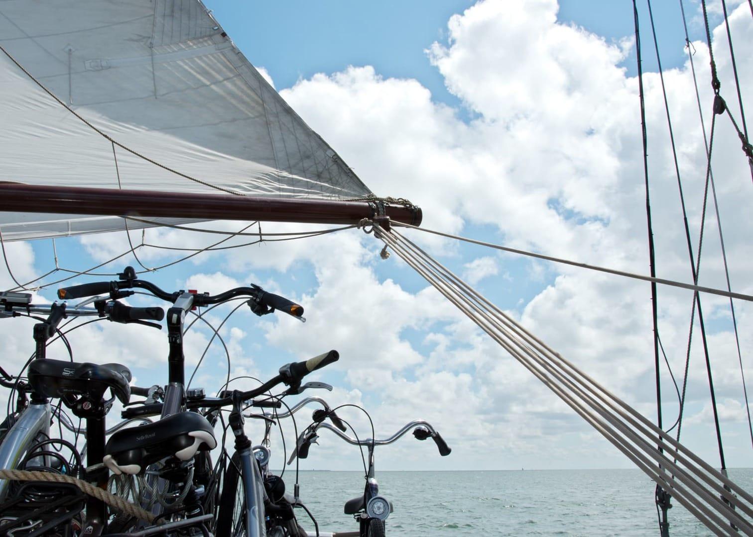 Rad und Schiff Niederlande Inselhüpfen Wattenmeer