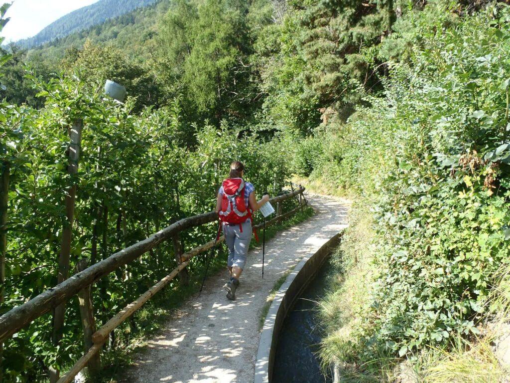 Wandern von Meran zum Gardasee in Italien